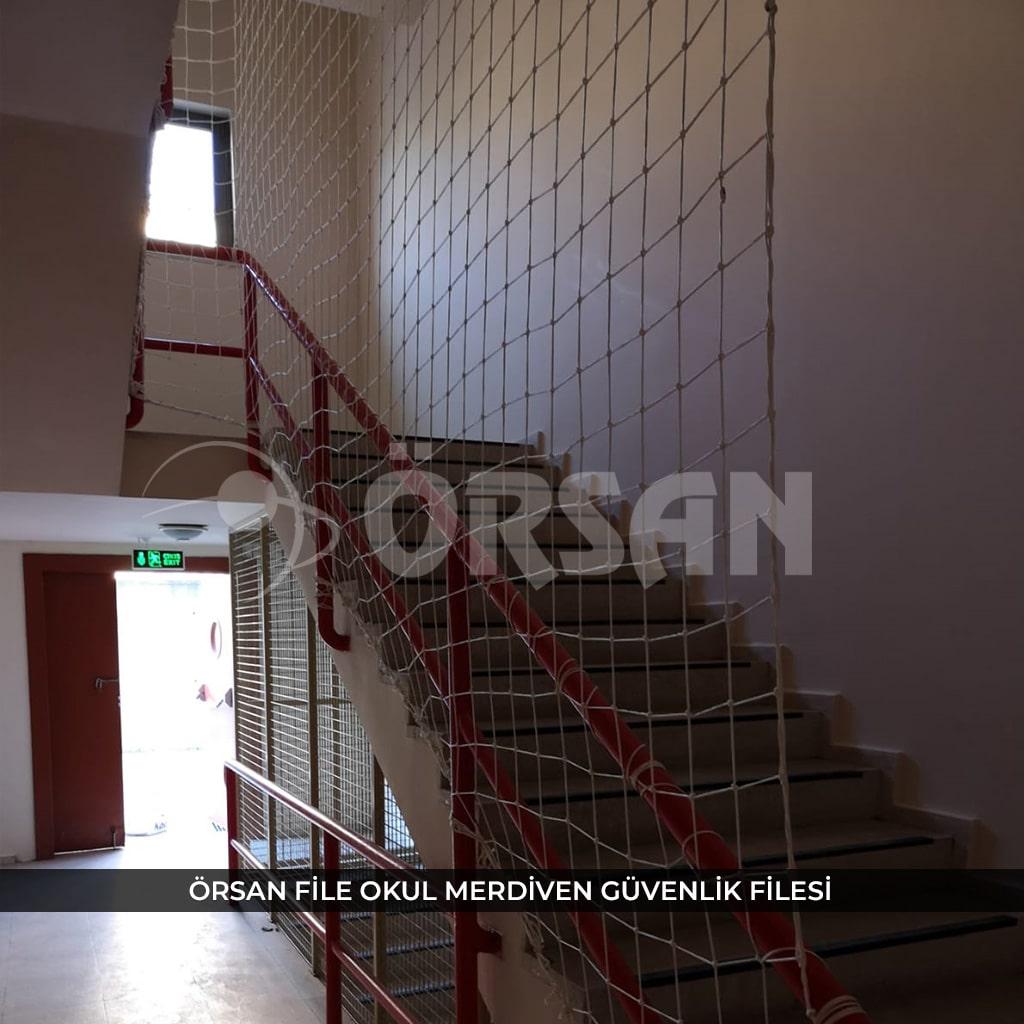 okul için merdiven filesi